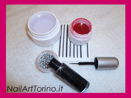 Nail Art Mandorla Catenelle Materiali