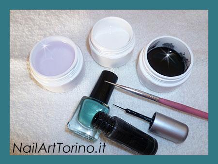 Nail Art Corallo Materiali