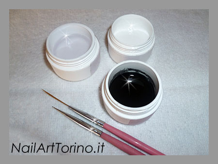 Nail Art Cuori Bianco Nero Materiali