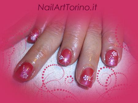 Nail Art Fiori Fuxia Dettaglio