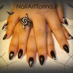 Decorazione unghie gel nero