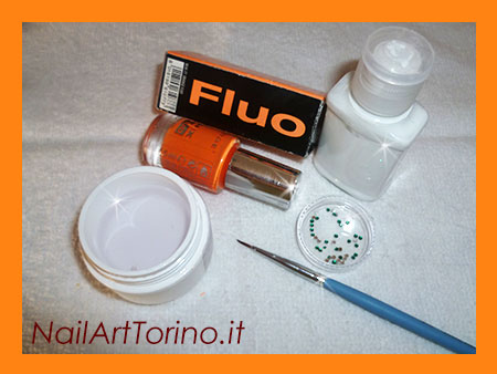 Nail Art Fluo Arancione Materiali