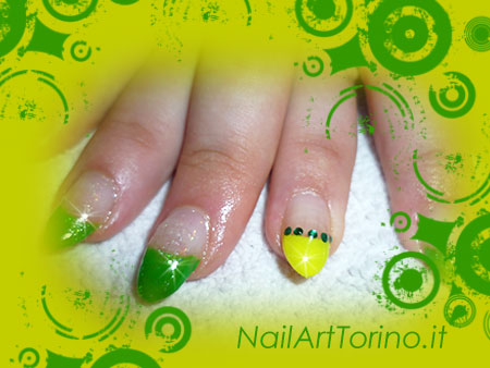 Nail Art Fluo Giallo Verde Dettaglio