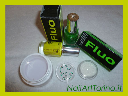 Nail Art Fluo Giallo Verde Materiali