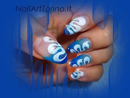 Nail Art Mandorla Onde Dettaglio