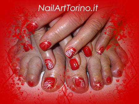 Nail Art Rose Bianche