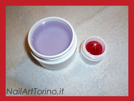 Nail Art Rosso Materiali