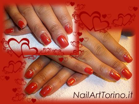 nail-art-per-san-valentino-rosso-glitter