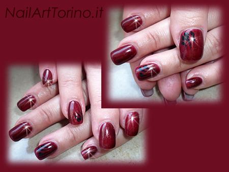 Nail-Art-total-color-rosso-perlato-nero