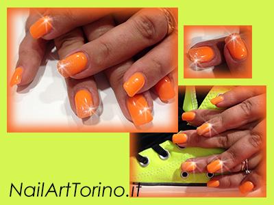 Unghie-estate-2014-Arancio-fluo-glitter