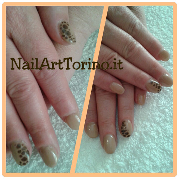 nail-art-estate-2015-giraffato-nude